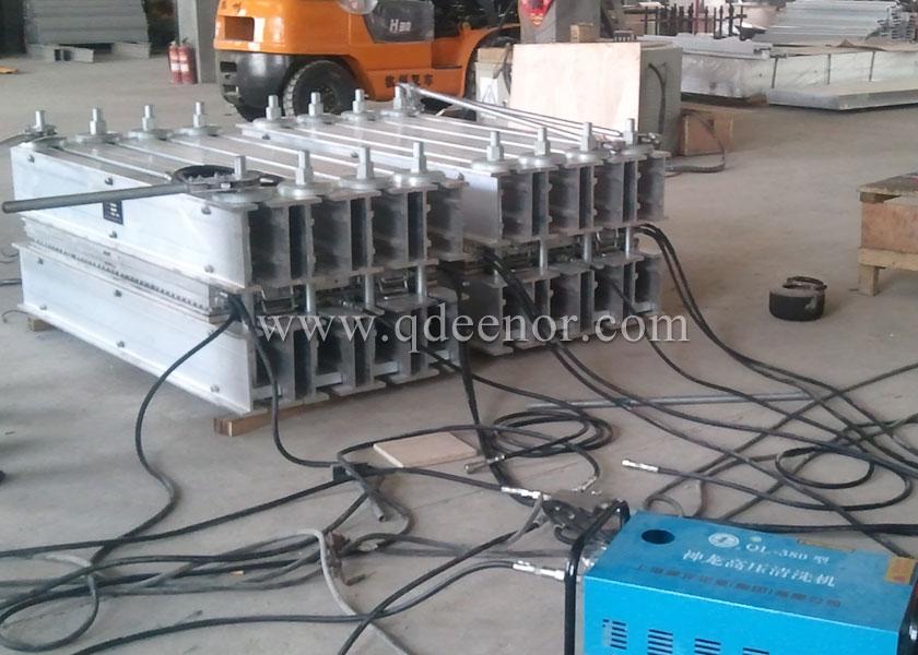 硫化接头机